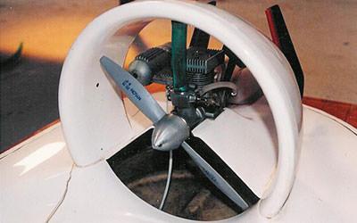aeroglisseur-pga10-miniature-radiocommande-vue-helice-moteur